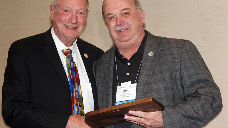 North Platte City Administrator wins leadership award at  League of Nebraska Municipalities...