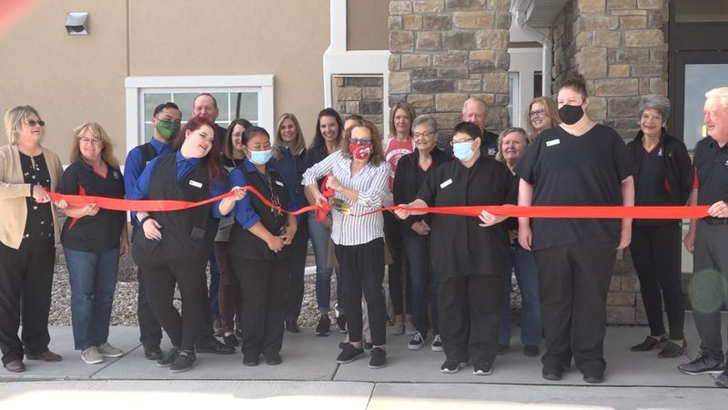 Cobblestone Inn & Suites held a ribbon cutting in Cozad Tuesday.
