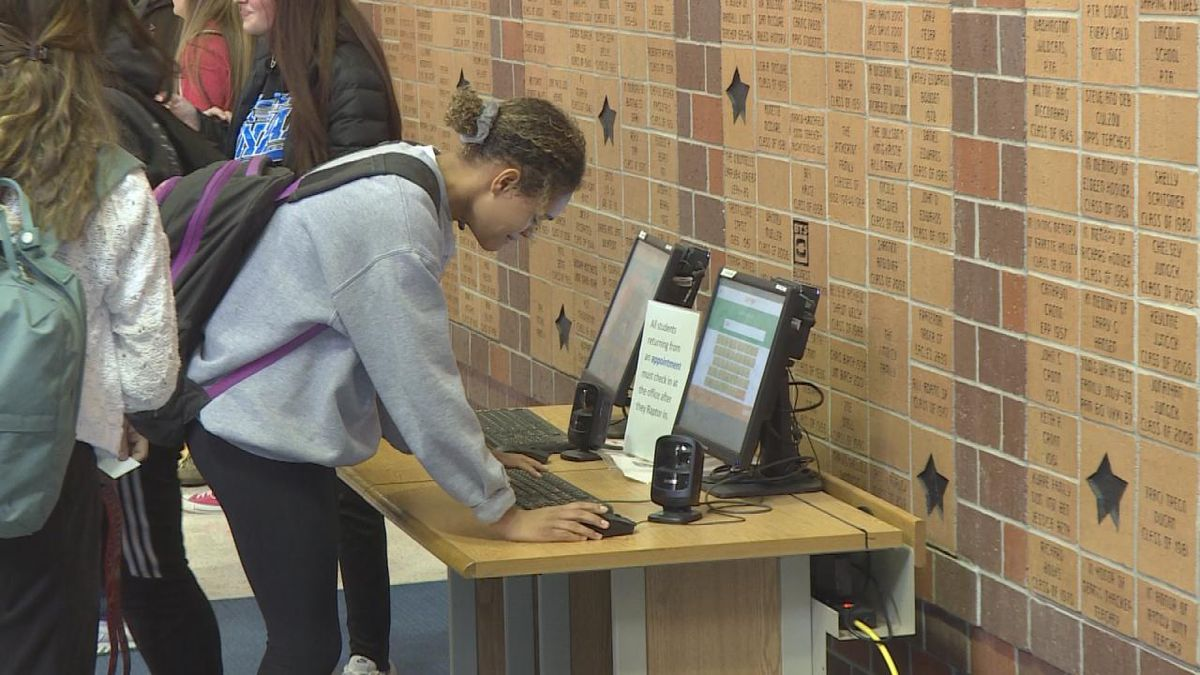 Students check-out of school for lunch at North Platte High School. (Source: Jace Barraclough/KNOP)