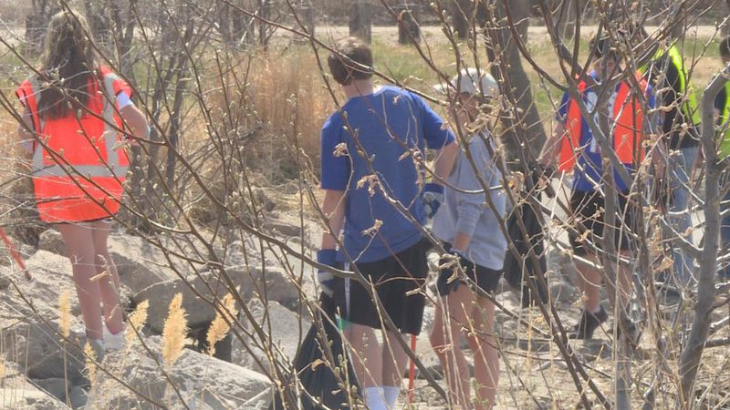 Members of the Environmental Club and Keep North Platter and Lincoln County Beautiful working...