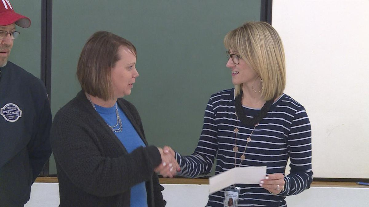 Buffalo Elementary receives check from North Platte Walmart City transportation office. (SOURCE: Kaylie Crowe KNOP-TV)