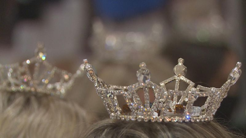 A close of a crown at the Miss Nebraska opening ceremony on June 6.