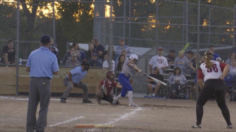 Sydney Barner hits a home run on Tuesday night.