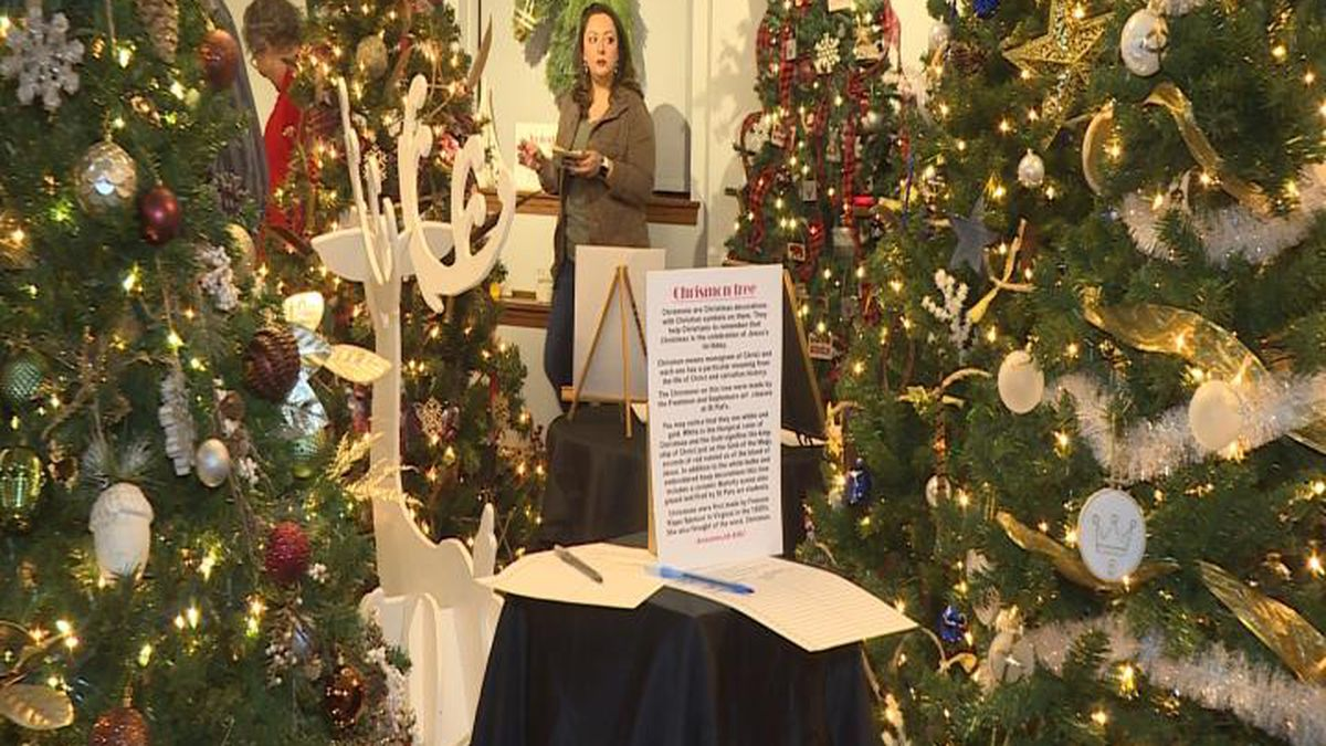 Trees lined the rooms as folks enjoyed bidding on them. (SOURCE: Kaylie Crowe KNOP-TV)