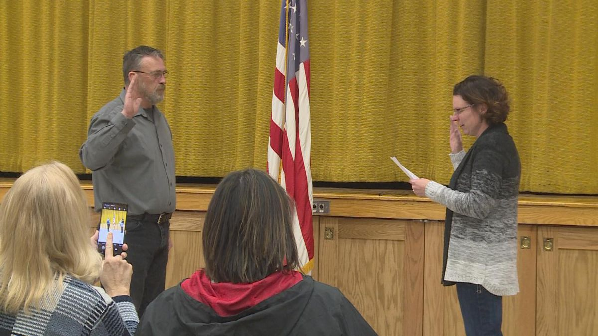 City Clerk Stephanie Wright swears in Rod Sonnichsen as the new mayor of Broken Bow, Nebraska during a ceremony at the Broken Bow Municipal Building Friday afternoon. (Source: Holly Barraclough, KNOP TV)