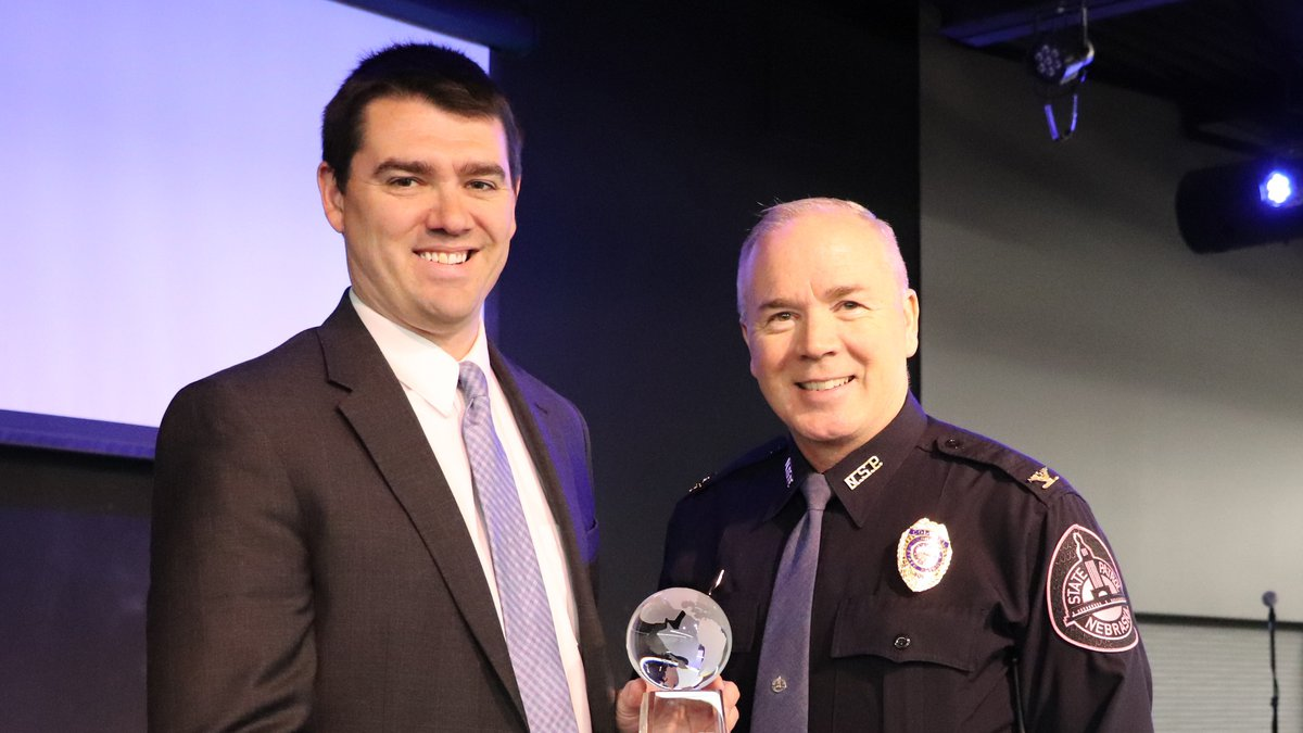 Thomas Receives International Award for Leadership in Public Relations