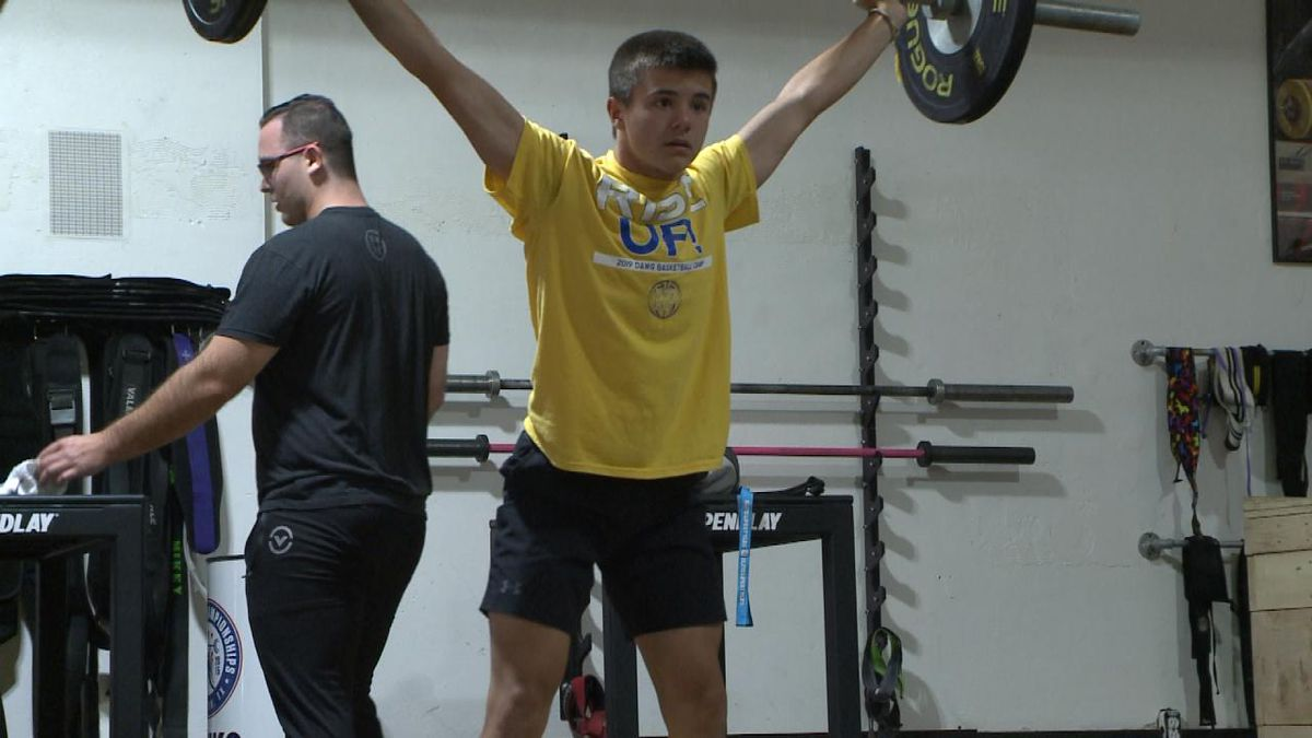 Kolten Tilford finished with three gold medals at the USA Weightlifting Youth National Championships in Anaheim, CA (Credit: Patrick Johnstone/KNOP-TV)