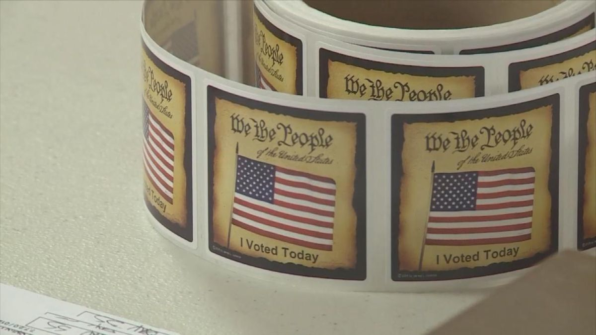 Poll workers are needed for Lincoln County. The Lincoln County Courthouse encourages the community to step up and help out. (SOURCE: Kaylie Crowe KNOP-TV)
