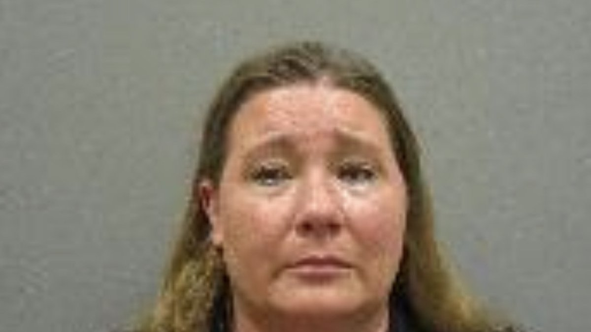 Lincoln County Treasurer Shelli Franzen arrested Thursday on theft charges.