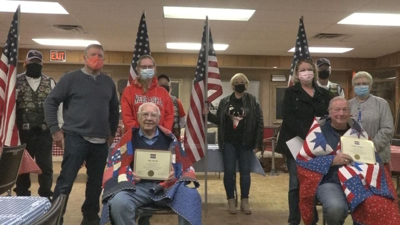 Quilt of Valor awards former Mayor and veteran