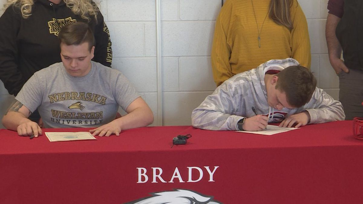 Lucas Simmons and TJ Roe sign letters of intent to play college football next season. (Source: Jace Barraclough/KNOP)