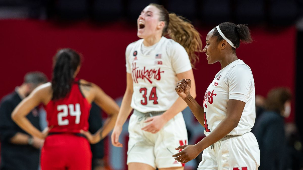 Isabelle Bourne (34) and Sam Haiby return to lead the Huskers in 2021-22.