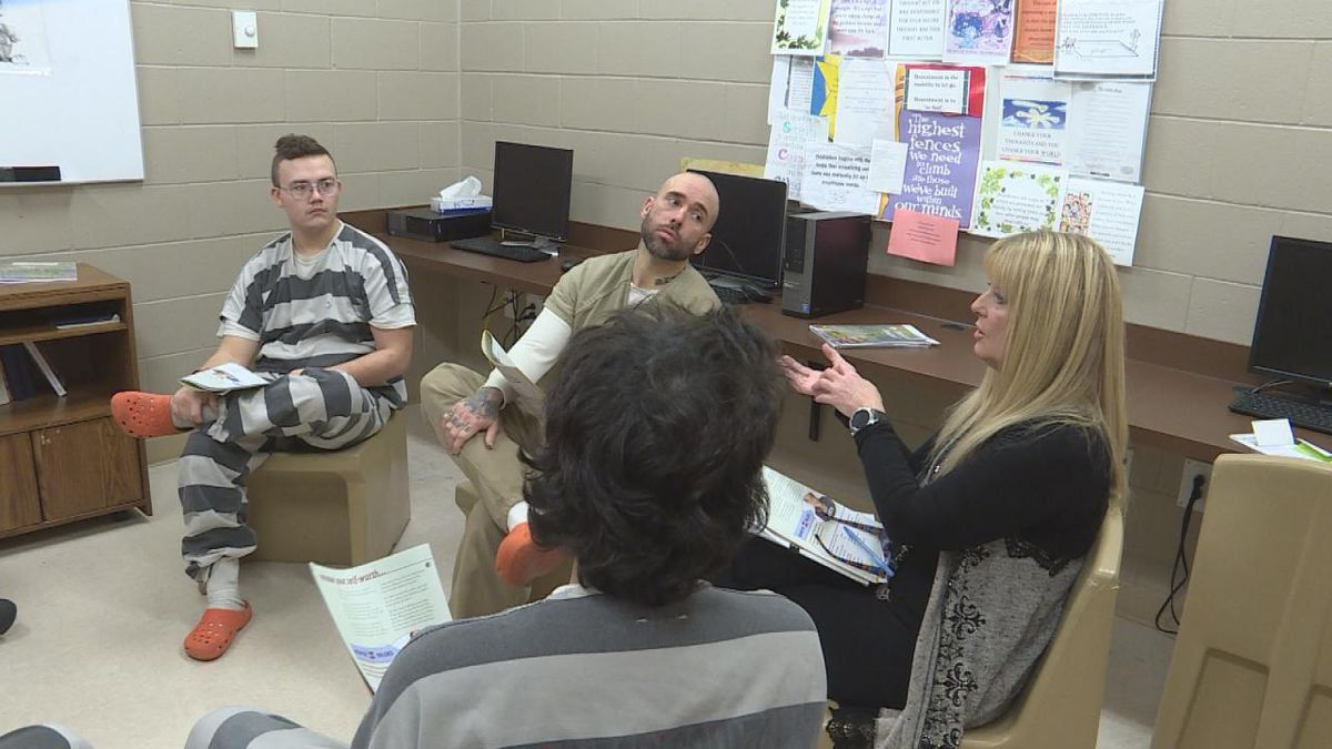 The group meets and discusses their goals for improvement and healthy coping skills. (SOURCE: Kaylie Crowe KNOP-TV)